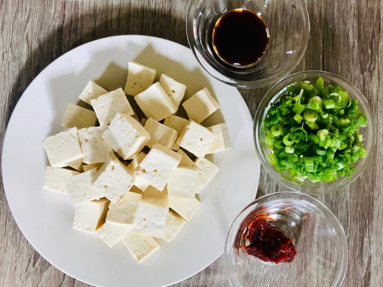 sweet and spicy sesame tofu prep