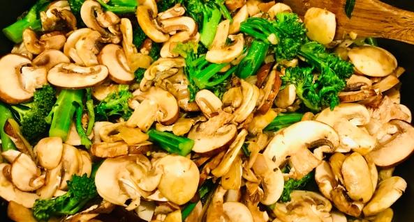 creamy mushroom and bb brocc orzo cooking 2.jpg