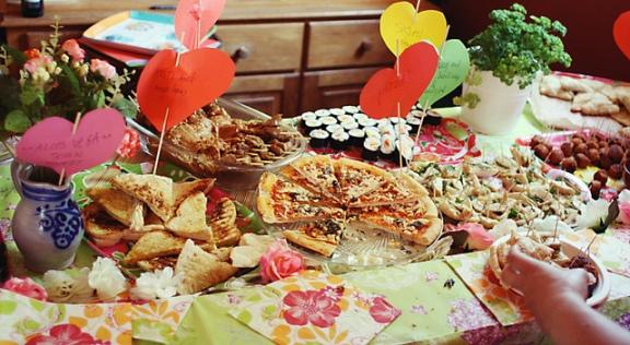 Vegan buffet by Suzette.jpg