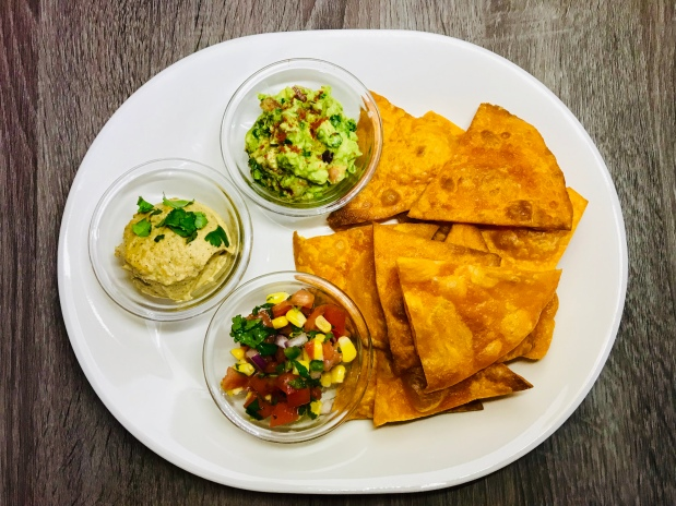 tortilla chips and dips 2